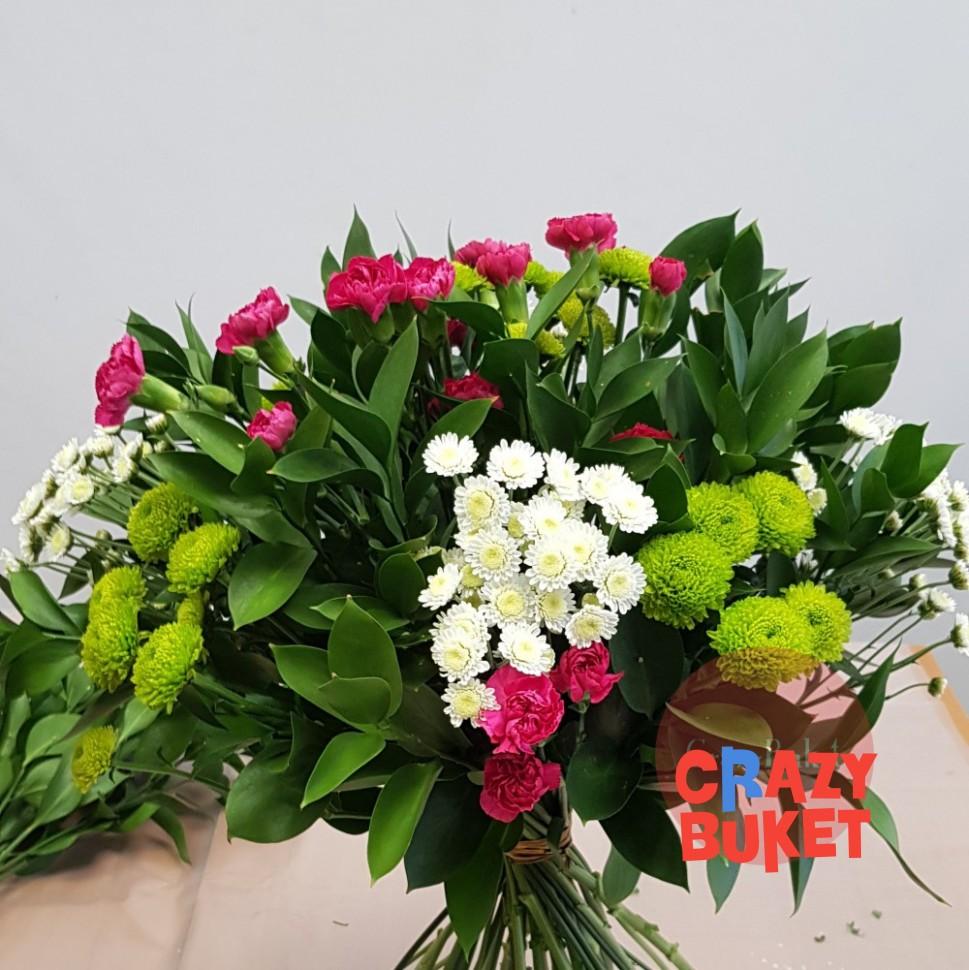 Букеты гвоздики и хризантемы